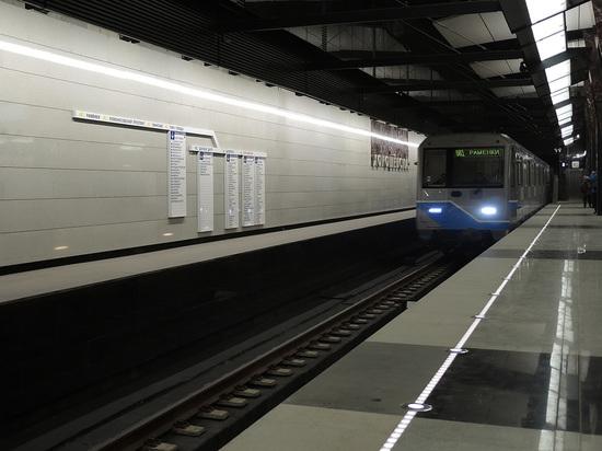 Московское метро будет требовать компенсации от прыгающих под поезд пассажиров