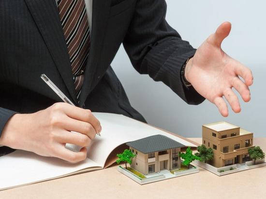 Тысячи воронежцев не могут зарегистрировать сделки с недвижимостью