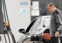 Бензин стал бесконтрольным: литр АИ-95 подорожает до 60 рублей