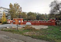 В Астрахани отремонтировали детский городок