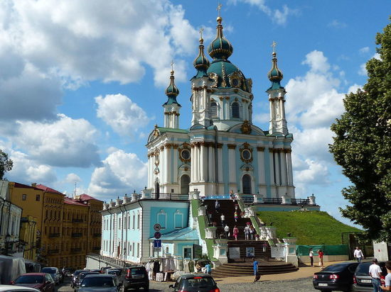 Порошенко официально отдал Варфоломею Андреевскую церковь в Киеве