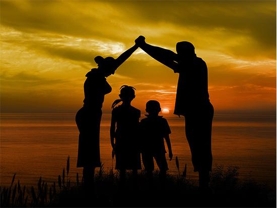 """Что такое быть родителями в """"век страха"""""""