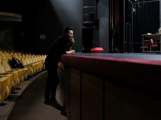 Режиссер Уланбек Баялиев – о премьере свердловской Драмы: «Васса – это Россия в момент перехода власти»