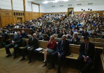 Жители России считают хорошее образование главным условием для того, чтобы человек имел шанс добиться успеха в жизни