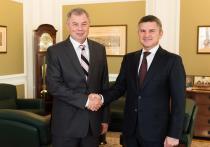 Анатолий Артамонов провел рабочую встречу с генеральным директором «МРCК Центра» Игорем Маковским