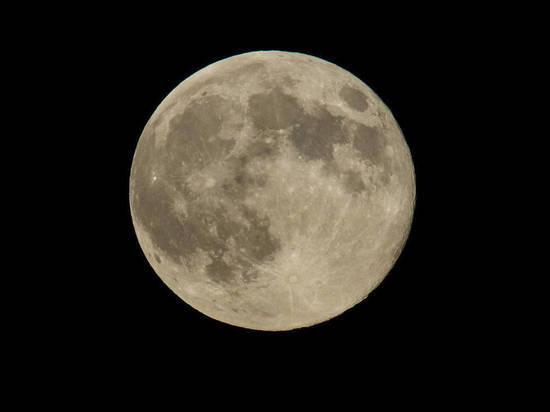 Китай пообещал вывести на орбиту «искусственную Луну»