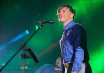 Юбилей Лагутенко: перед фанатами отдувались музыканты группы