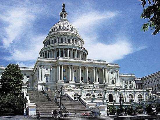 Импичмент и санкции: за что сражаются в промежуточных выборах США