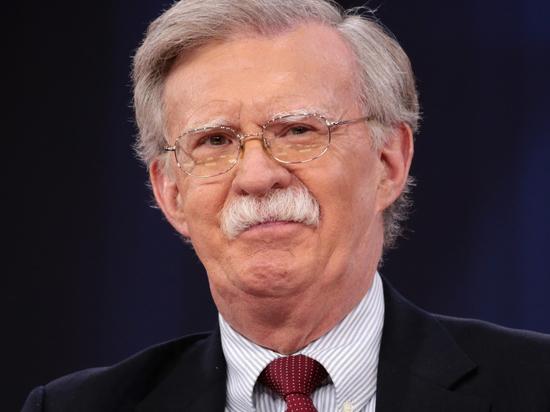 Ястребиный взгляд: Болтон привез в Москву спорное решение