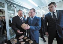 Медведев заявил о введении санкций против