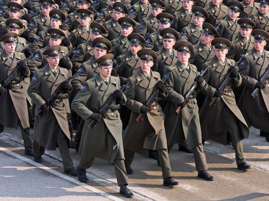 Минобороны потратит полмиллиарда рублей на слежку за курсантами в Сети