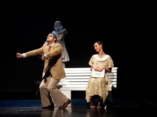 В честь драматурга Гельмана в Омске устроили показ спектакля «Скамейка»