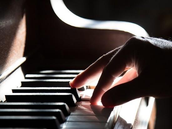Преподаватель ванкуверской академии встретится с юными пианистами Кузбасса