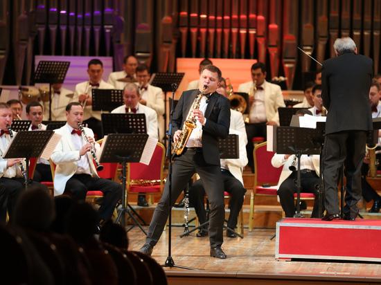 Всемирно известный саксофонист Сергей Колесов дал концерт в Алматы