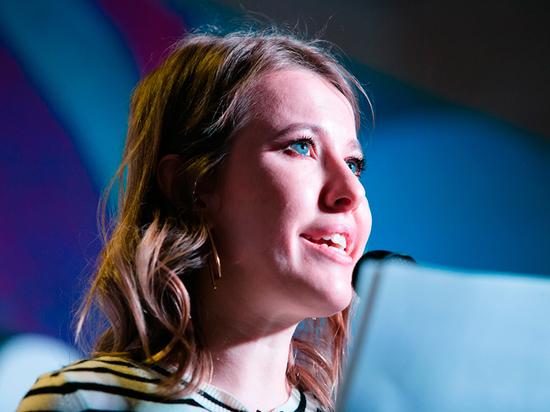 Собчак едко раскритиковала роскошный образ дочери Малинина на балу дебютанток - Общество