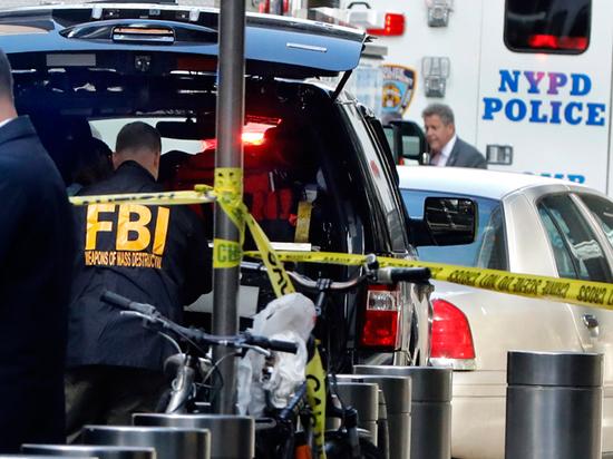 Эксперты считают, что рассылка бомб Обаме и Клинтон выгодна Трампу