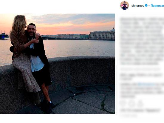Сергей Шнуров показал четвёртую жену Ольгу