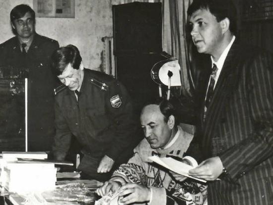 Сенатор Павленко поздравил комсомол с днём рождения