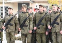 Командир авиационной базы Андрей Янкин поздравил военнослужащих с юбилеем, поблагодарил за вклад в поддержание мира и согласия на братской земле и пожелал успехов