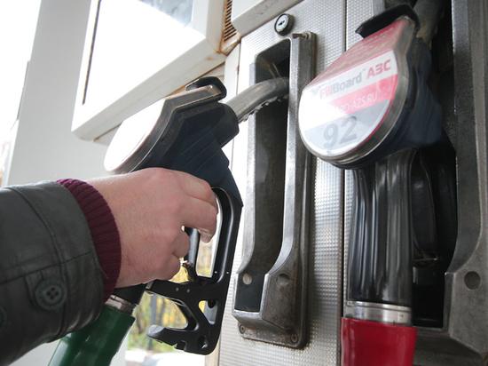НТС напророчил россиянам осенний рост цен на бензин