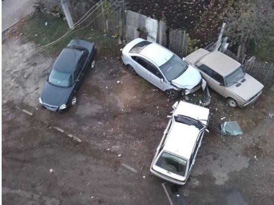 Пьяный тамбовчанин угнал ВАЗ и протаранил три припаркованные автомобиля