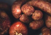 336 килограммов подозрительной колбасы не пустили в Алтайский край