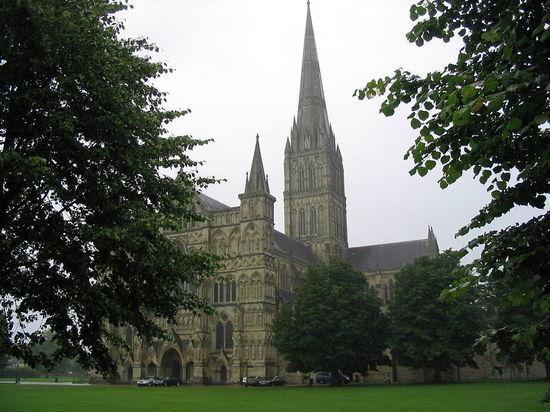 В Солсбери пытались ограбить осмотренный Петровым и Бошировым собор