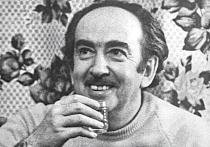 Песню он написал к 50-летию Юрия Любимова, создателя Театра на Таганке