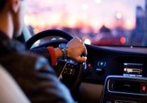 В последнее воскресенье октября отмечается профессиональный праздник работников автомобильного транспорта, день автомобилиста