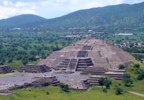 Археологи, работающие на территории древнего города Теотиуакан в Мексике, обнаружили под так называемой Пирамидой Луны подземный ход, о котором ранее было неизвестно