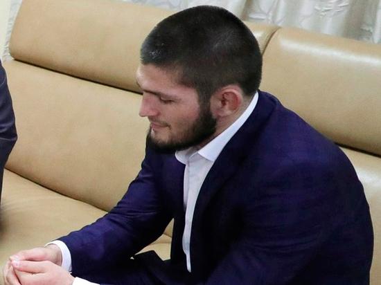 """Нурмагомедов выразил восхищение Салахом: """"Скромностью хорошо представляет мусульманский мир"""""""
