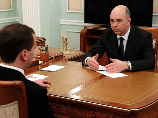 Силуанов пообещал поднять налог «нароскошные яхты иквартиры»