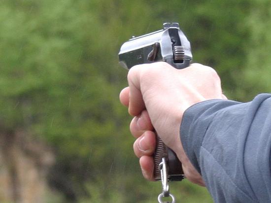 Пьяный дагестанский полицейский на спор прострелил себе голову