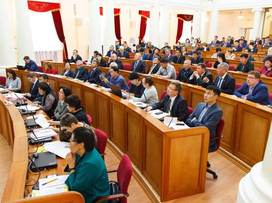 Депутаты Народного Хурала обсудили приоритеты республиканского бюджета на 2019 год