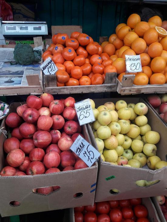 Рекордный урожай яблок в Крыму цену на них пока не сбил