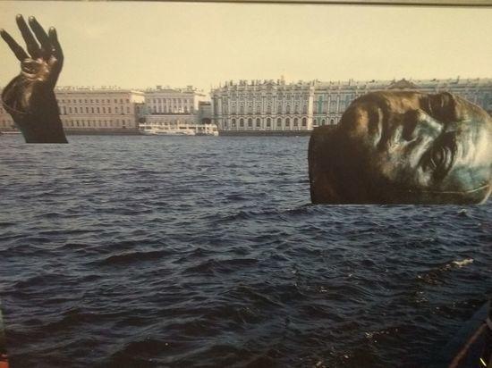 В Петербурге предлагают утопить в Неве километрового Петра I