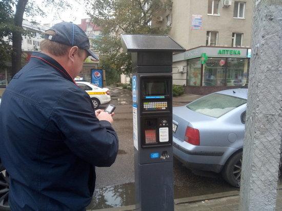 В Воронеже подвели промежуточные итоги работы платных парковок и безналичной оплаты в маршрутках