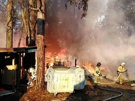 Появились подробности утреннего пожара за Вяткой