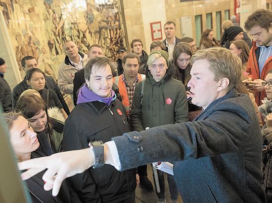 Безобразная навигация московского метро: пассажирам нужна не креативность, а ясность
