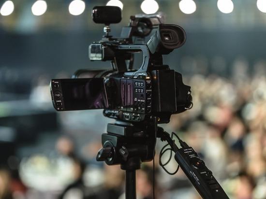 Эксперт оценил наряды «лиц экрана»: почему телеведущие безвкусно одеты