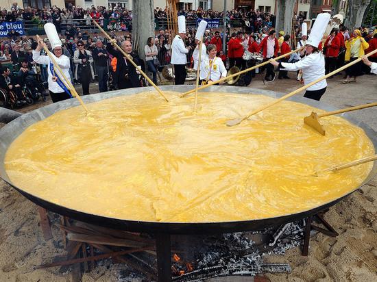 Гигантский омлет приготовят на площади Музыки в Тамбове