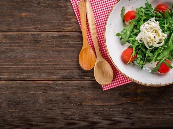 Как улучшить пищеварение после обеда: только не таблетками