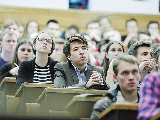 Студенты и аспиранты потребовали повышения стипендий до уровня МРОТ