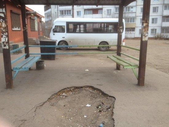 В поселке Восточный Улан-Удэ дороги оказались утыканы ямами