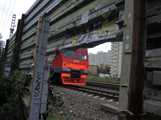 В русском  Краснодарском крае поезд смял фургон : около 20 пострадавших
