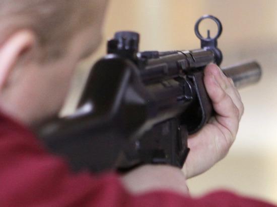 Как спасаются от школьных стрелков в мире: убежать или хайпануть