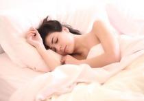 Взрослые люди, посвящающие сну шесть часов в день вместо восьми, чаще страдают от обезвоживания, чем те, кому удается избегать недосыпания