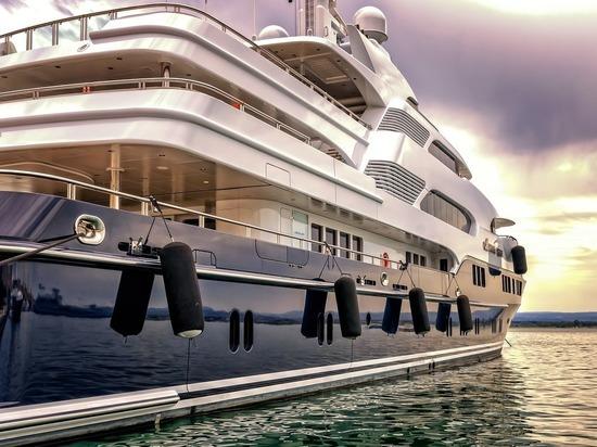 Чиновников хотят заставить отчитываться о пользовании чужими яхтами