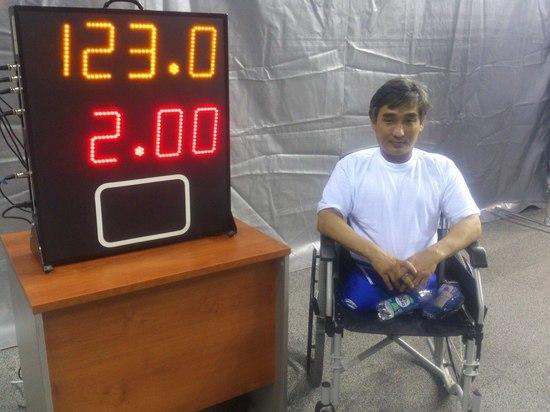 Пауэрлифтер из Калмыкии стал серебряным призером Кубка России