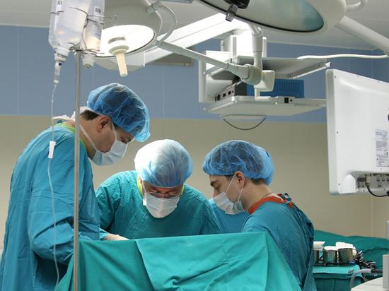 Столичные хирурги вытащили из легких мужчины зуб